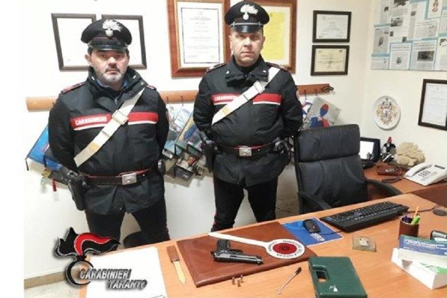 Pistola e munizioni in casa