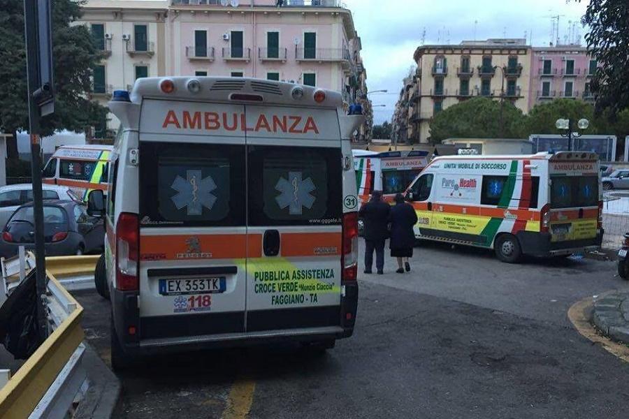 """SS. Annunziata, ambulanze bloccate: """"Riaprite Pronto Soccorso 'Moscati'"""""""