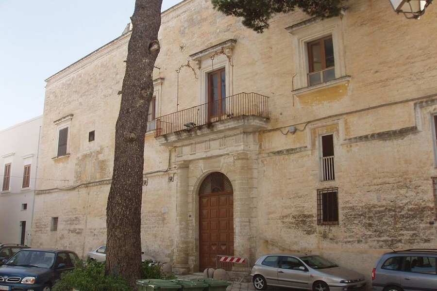 Una Community Library a Castellaneta