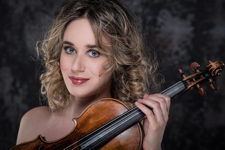 """Anna Tifu e il """"fascino in musica"""""""