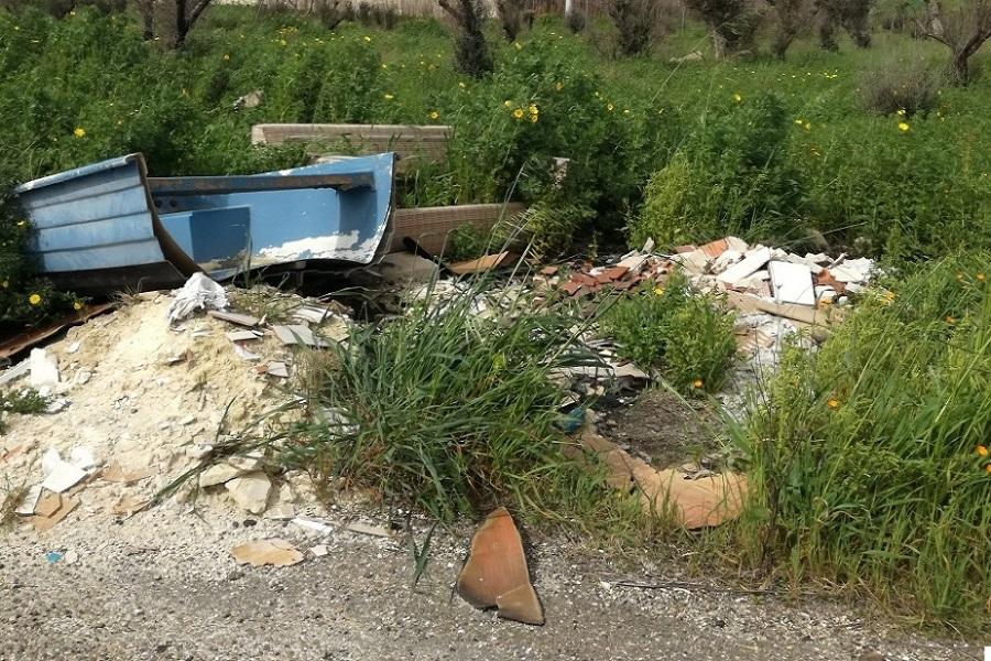"""Rimozione rifiuti abbandonati, Perrini: """"I fondi ci sono, ma basteranno?"""""""