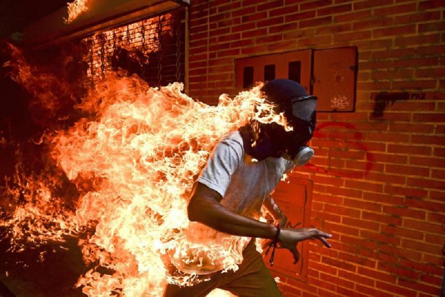 "World Press Photo 2018: ""Un Paese in fiamme"""