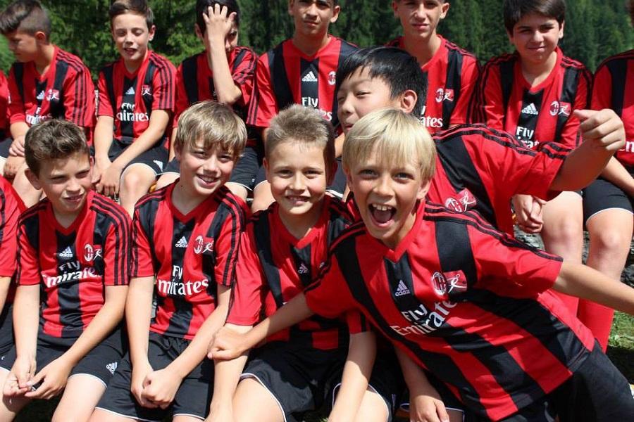 Il Milan sbarca a Taranto