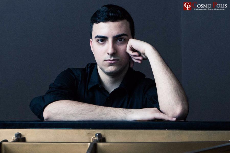 Protagonista il pianoforte di Alberto Ferro