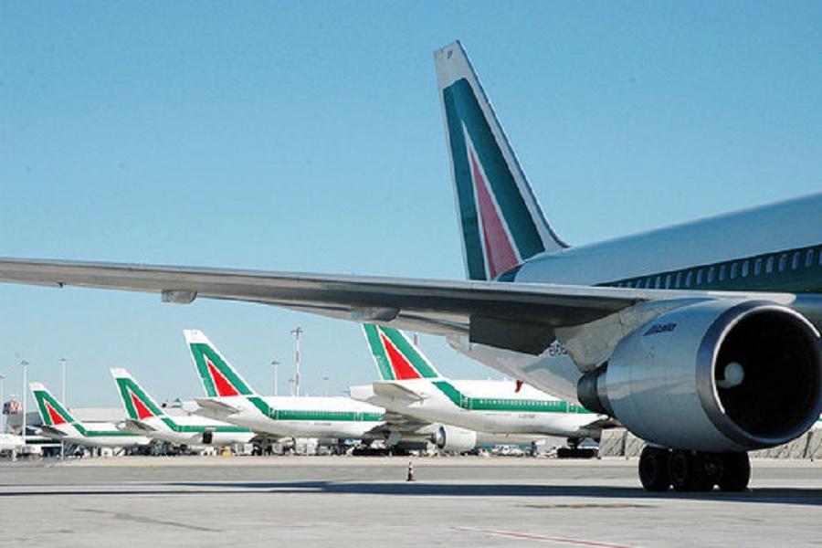 Taranto, collegamenti insufficienti verso gli aeroporti pugliesi
