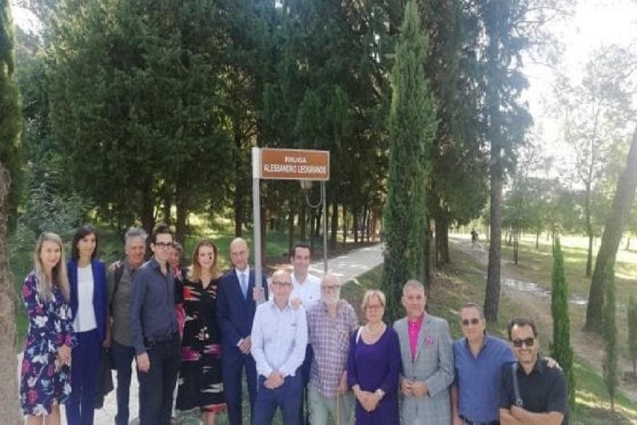 Tirana ricorda Leogrande. Taranto, invece, no