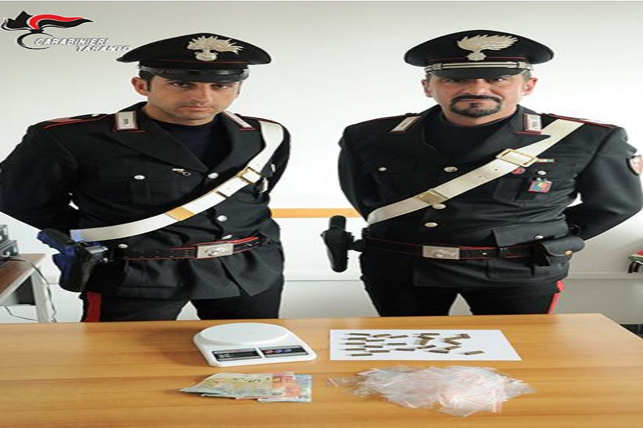Colto con 28 grammi di hashish: arrestato 20 enne di Massafra
