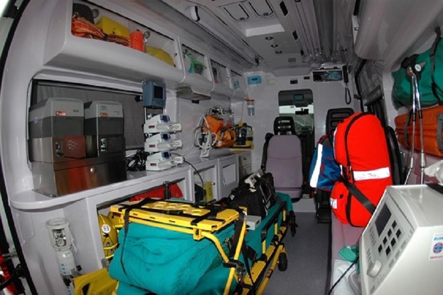Approfittava del trasporto in ambulanza per derubare le vittime: arrestata operatrice 118