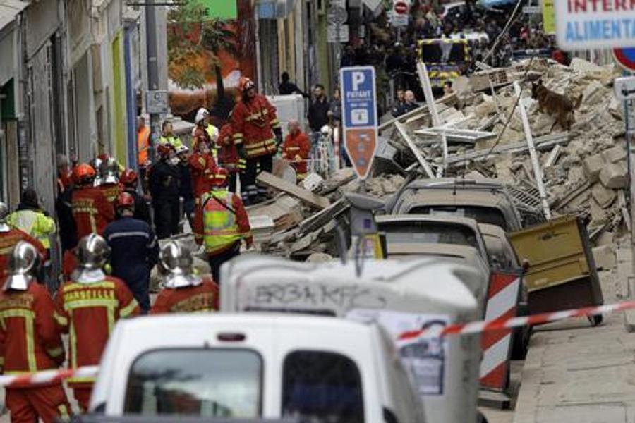 Crollo palazzi a Marsiglia: ore di attesa per la giovane tarantina