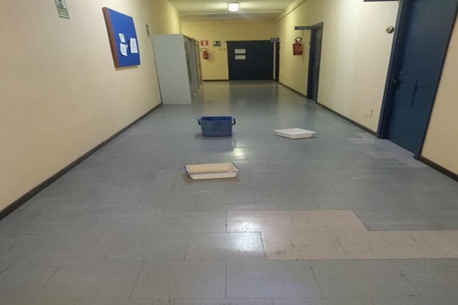 Tribunale di Taranto: piove nei corridoi