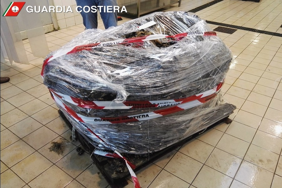 Mitili contaminati: sequestrato un carico da 4 quintali