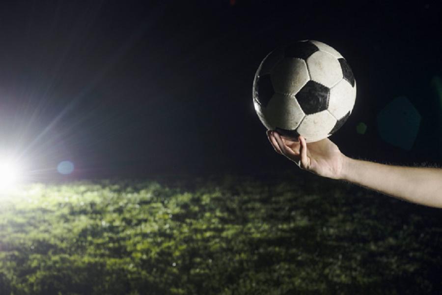 Giovane calciatore 19 enne si toglie la vita