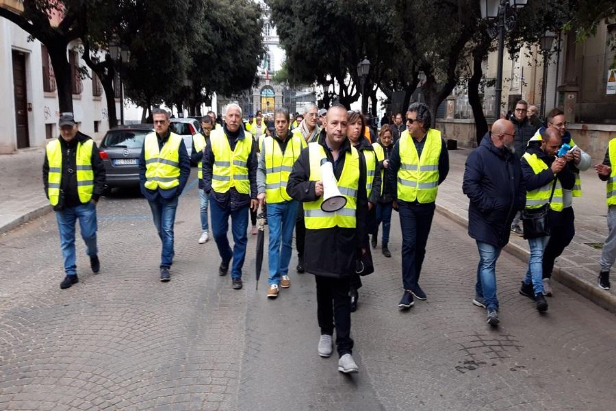 Gilet gialli a Taranto