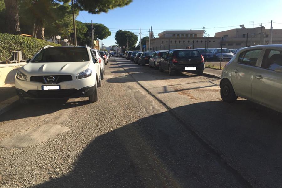 """San Vito. """"Parcheggiatori abusivi e disorganizzazione"""""""
