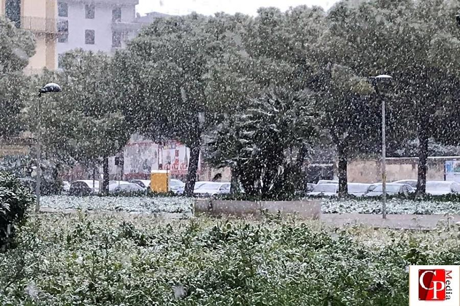 Puglia, allerta gialla: neve e vento