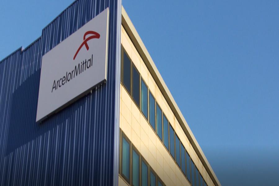 """Ex Ilva, Perrini: """"Emiliano ha mai incontrato il management di Arcelor Mitttal?"""""""