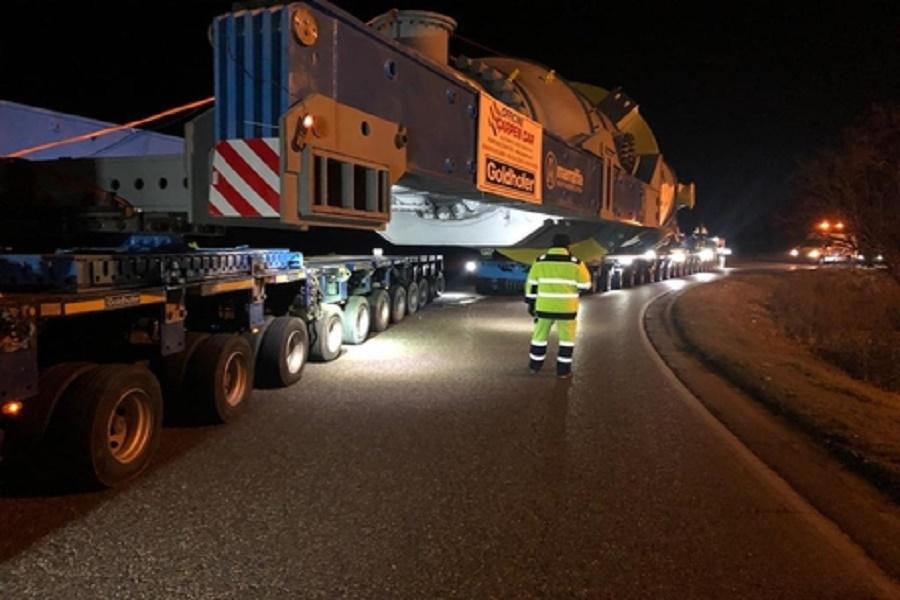 Ditta del tarantino realizza mega trasporto da 600 tonnellate