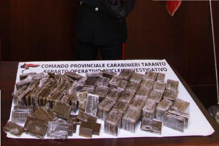Impresa della droga a conduzione familiare: 3 arresti