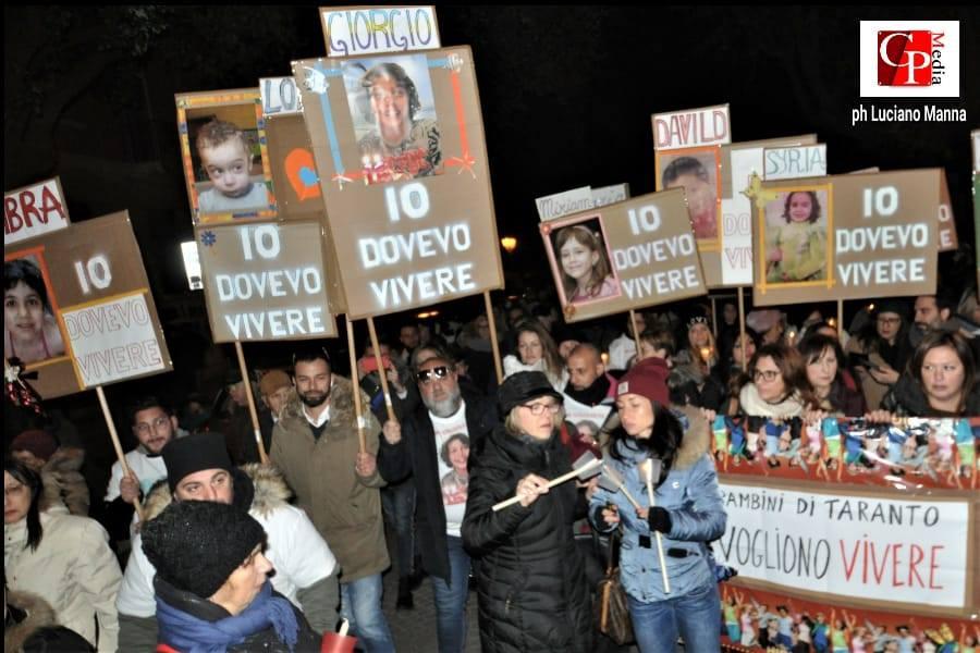 """Genitori Tarantini scrivono ad Arcelor Mittal: """"No a bandiere a mezz'asta"""""""