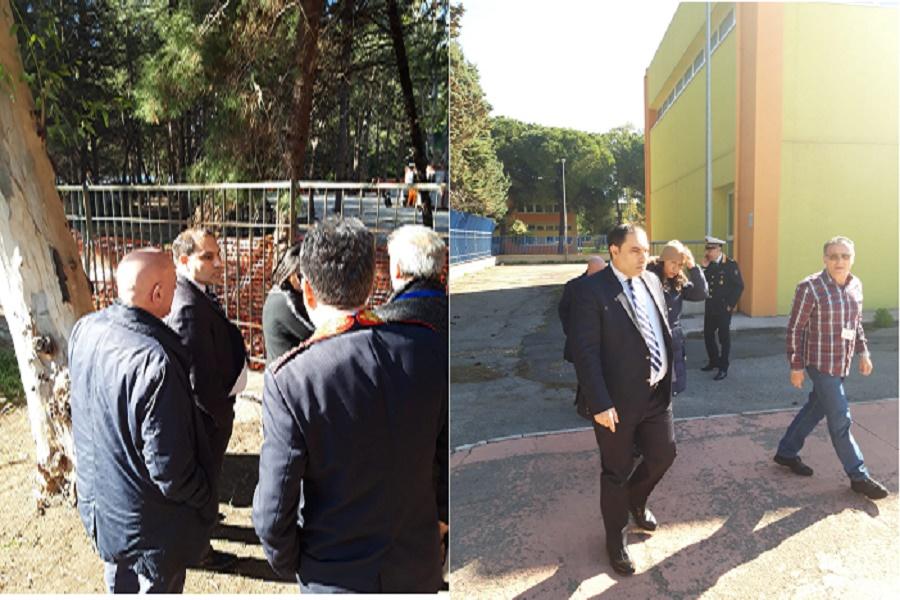 """Ex Ilva """"collinette ecologiche"""", Melucci visita scuole del quartiere Tamburi"""