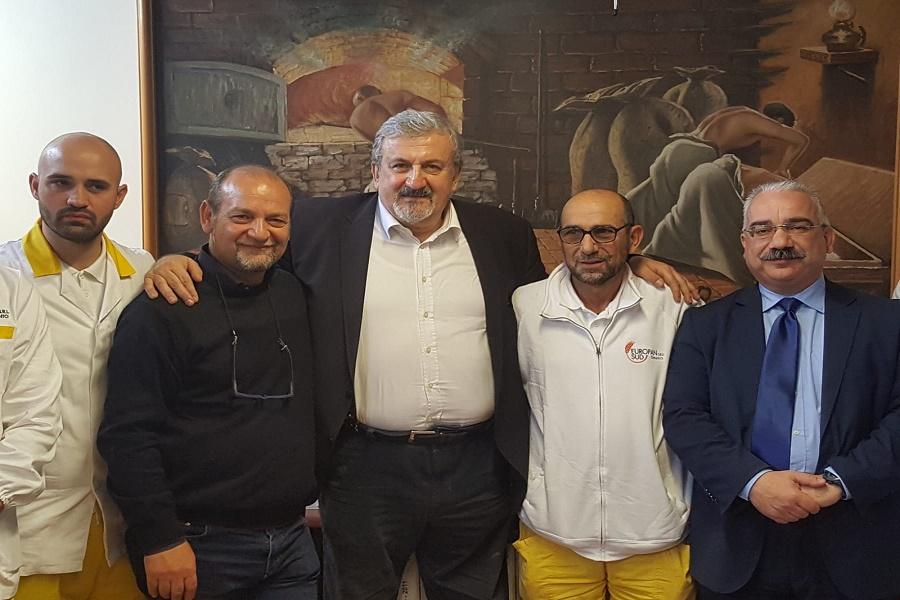 Il governatore di Puglia visita aziende tarantine