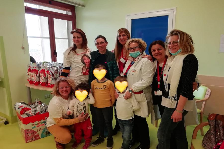 Donate uova ai bimbi dell'Oncoematologia pediatrica