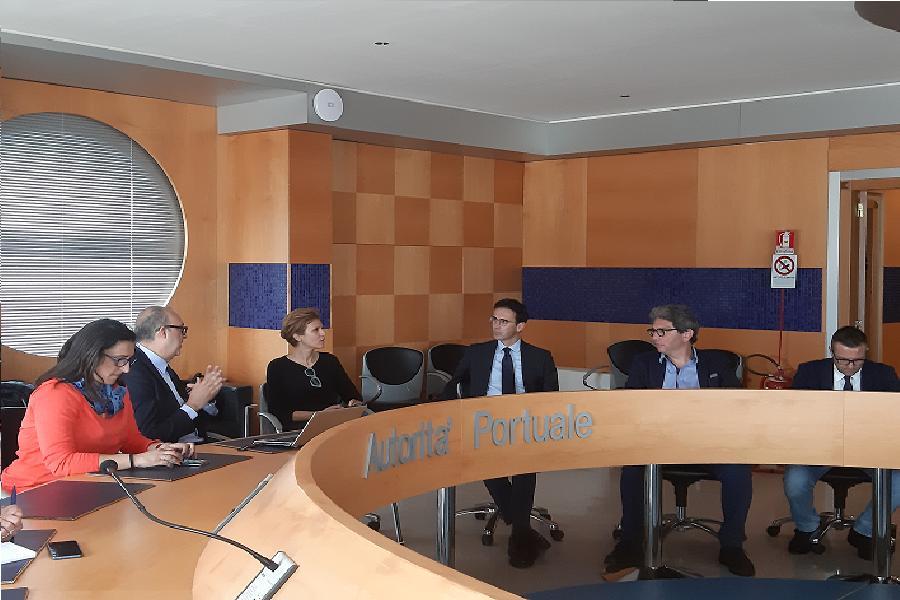 Infrastrutture e logistica. A Taranto Senatori del M5S