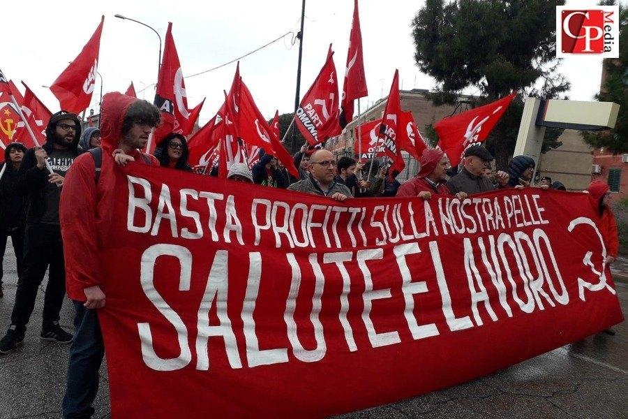 """Corteo #4maggiotaranto: """"Basta fonti inquinanti"""""""