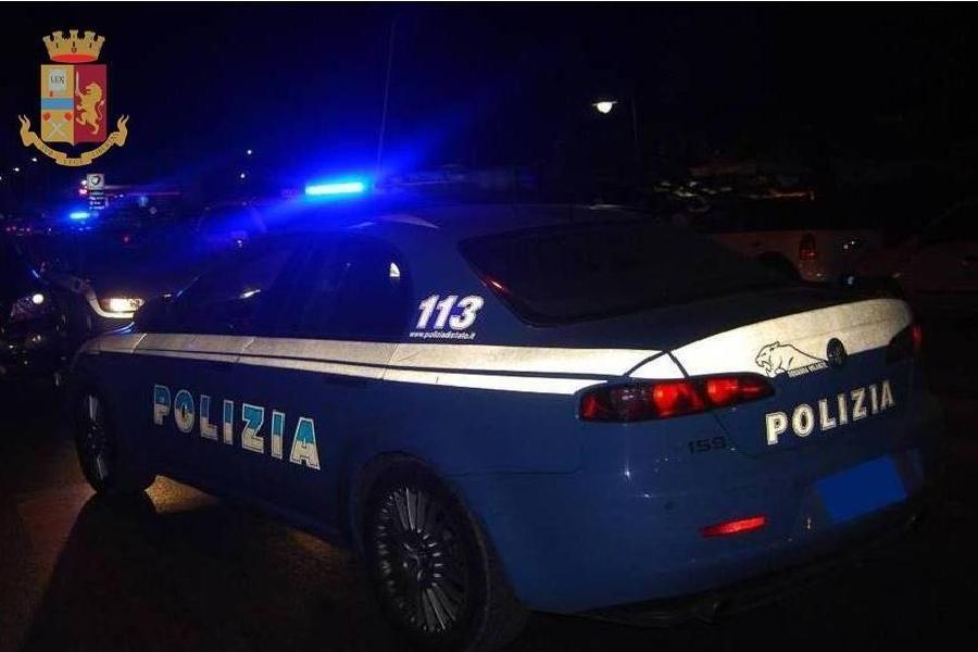 Taranto: dopo un inseguimento, rinvenuto furgone con refurtiva e attrezzi per lo scasso