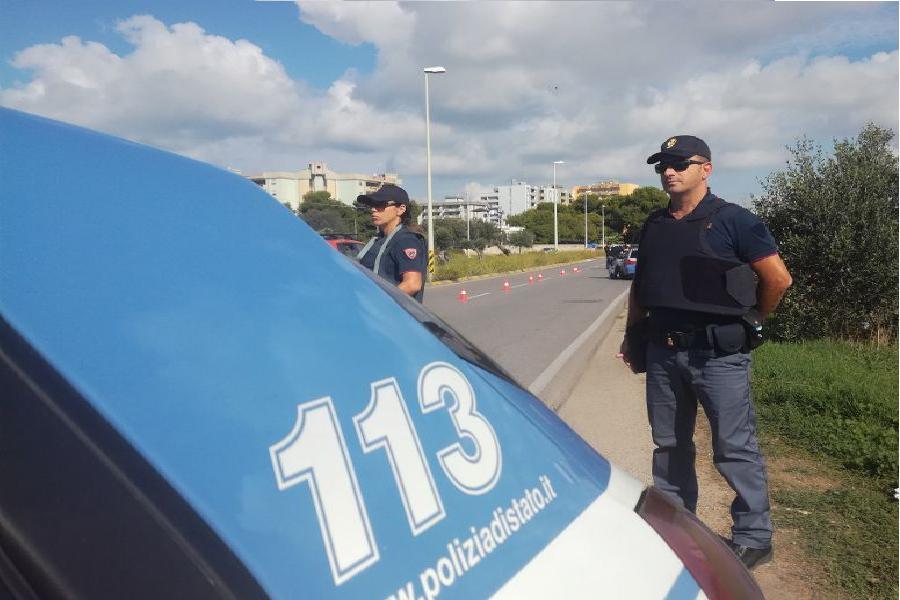 Falchi e cinofili contro lo spaccio: pusher denunciato dalla Polizia di Stato
