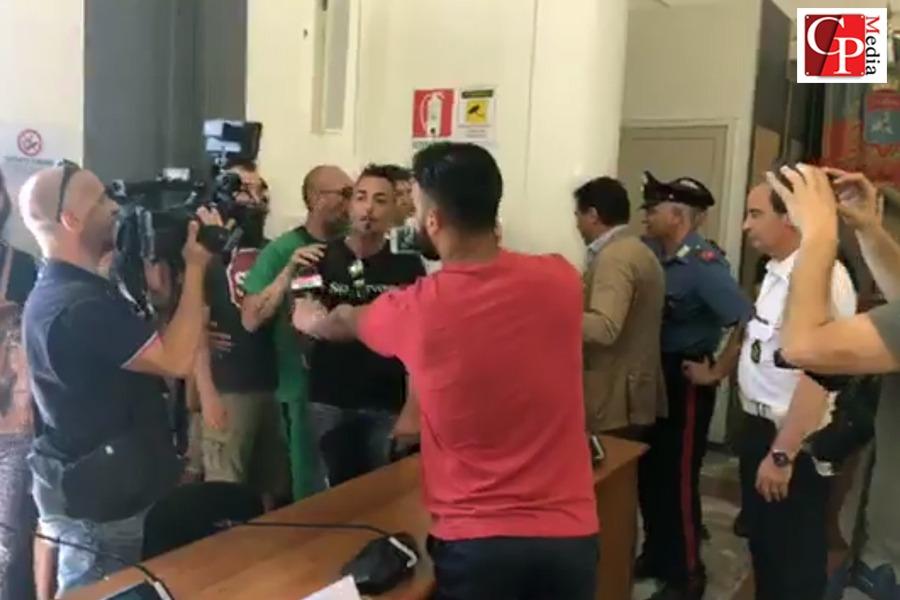 Cameraman di CosmoPolisMedia aggredito da Matichecchia