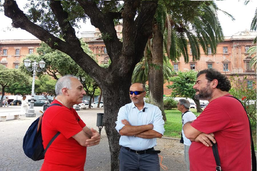 Ministri a Taranto: non incontrano le associazioni