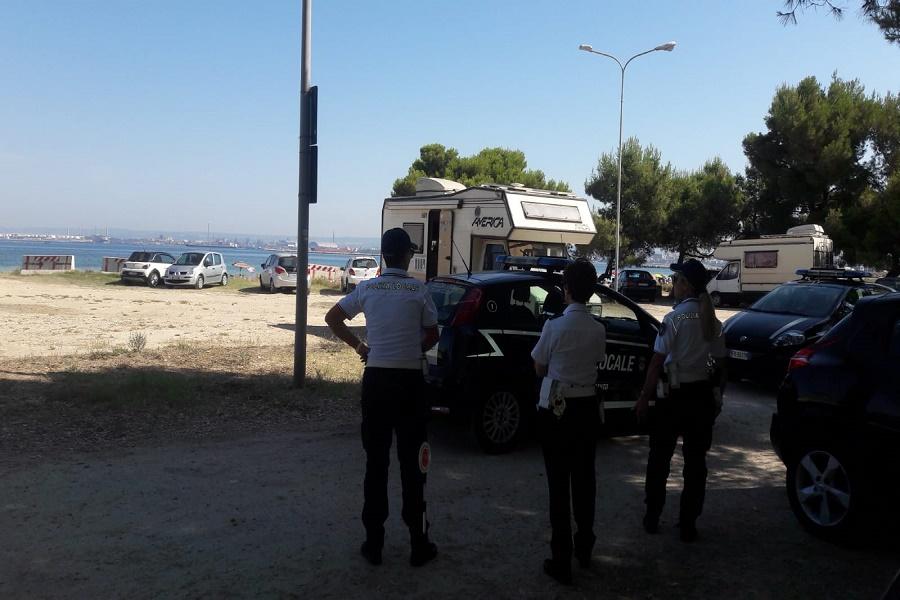 """Controlli sul territorio: """"Danneggiare dune attraverso il parcheggio delle auto è reato penale"""""""