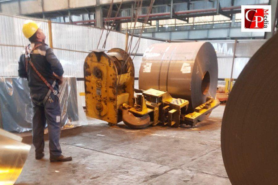 ArcelorMittal, tragedia sfiorata: crolla carroponte