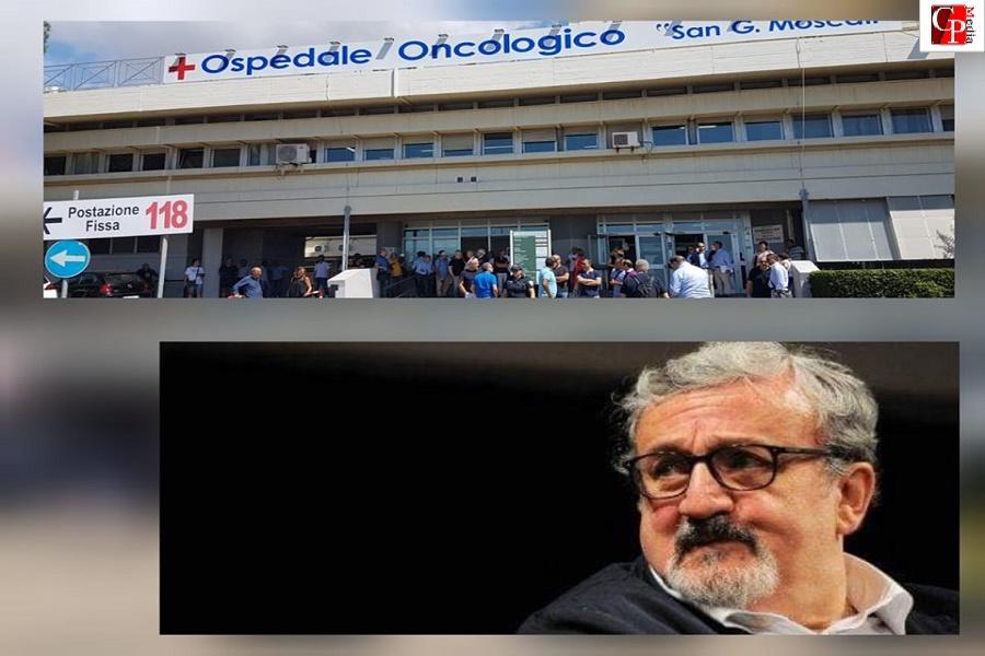 """C'è aria di protesta fuori al """"Moscati"""", Emiliano non si fa vedere"""