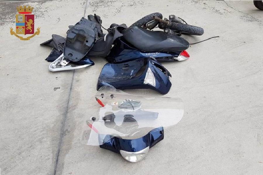 Moto rubate e modificate: 21enne denunciato