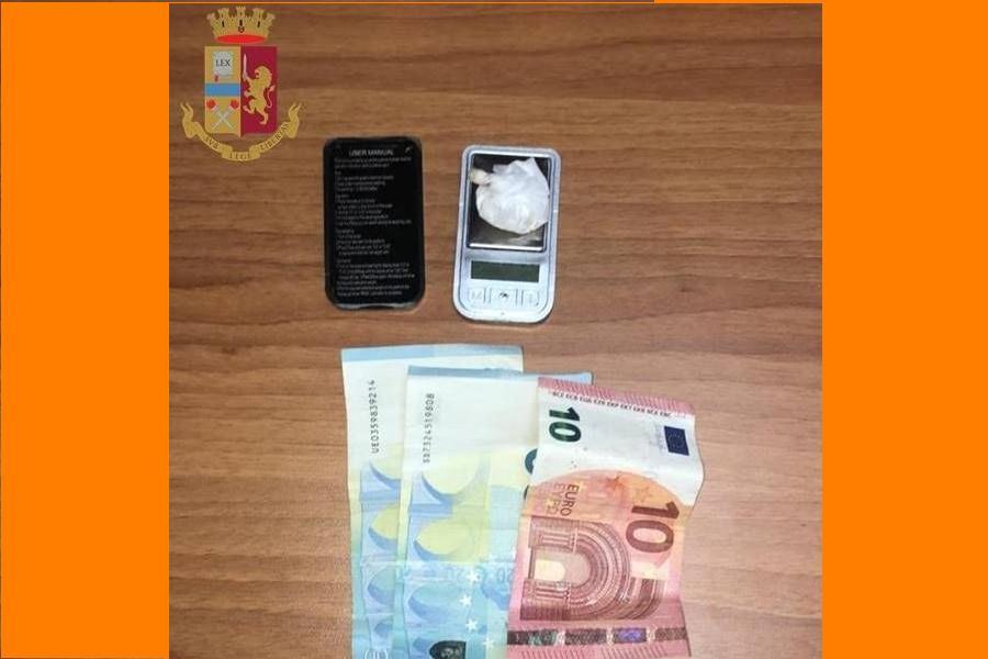 Cocaina: 27enne bloccato dalla Polizia