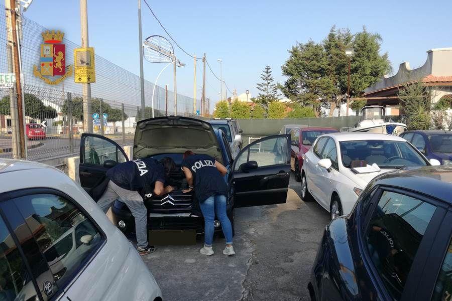 Irregolarità in due autosaloni: sanzionati i titolari