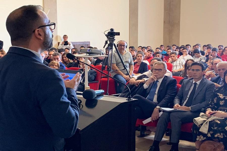 IBM: è a Taranto il primo P-Tech italiano per le competenze digitali
