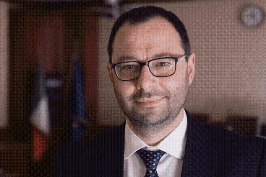 Il Ministro Patuanelli il 18 a Taranto