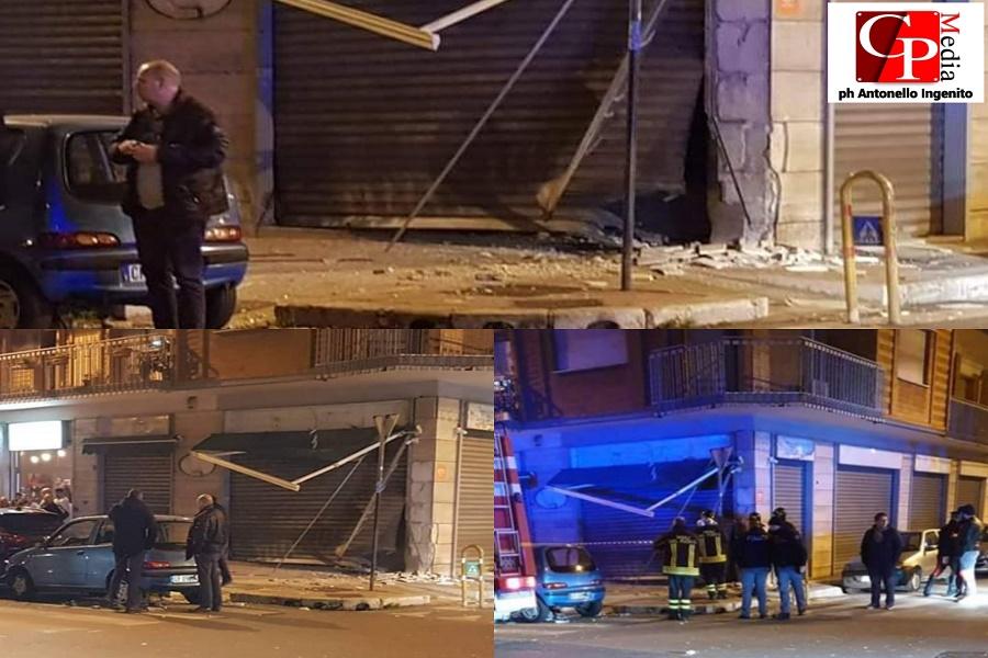 Taranto: esplode un ordigno in un bar