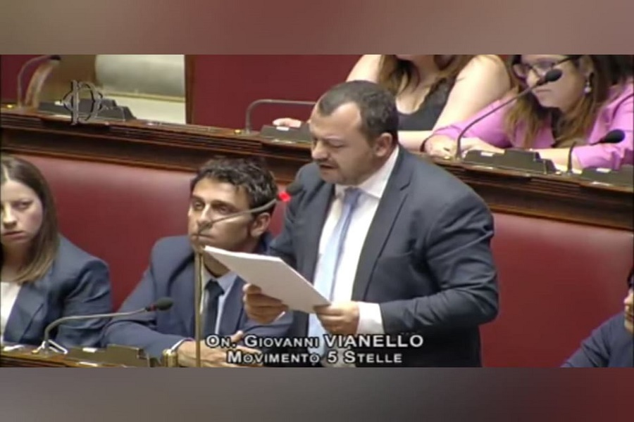 """Ex Ilva: Vianello (M5S), """"Emiliano contraddittorio su stabilimento, reticente su sanitá e rifiuti"""""""