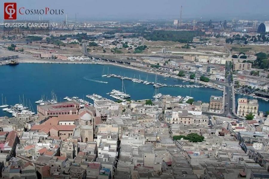 Taranto, terziario in crisi: Confcommercio chiede no tax area