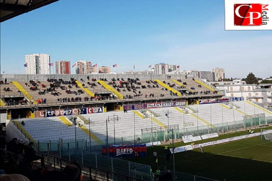 Il Taranto ferma la capolista sullo 0-0