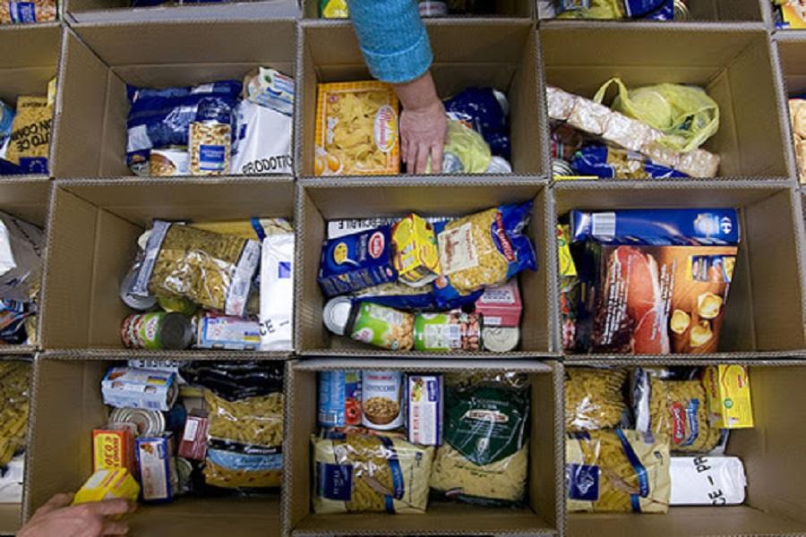 Rotary Club Taranto, 1,5 tonnellate di generi alimentari per le famiglie più povere della Città Vecchia