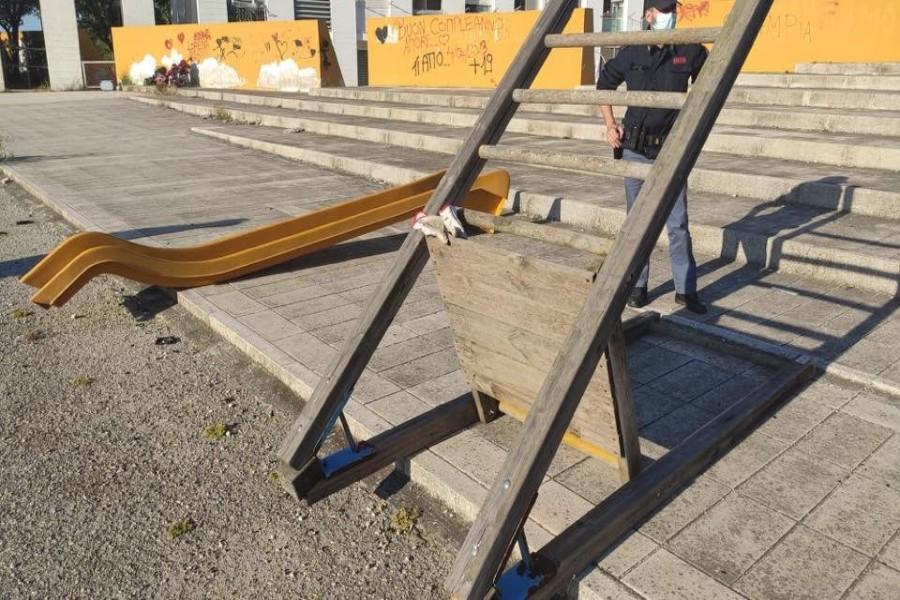 Ritrovato lo scivolo sottratto da piazza Giacinto Spagnoletti