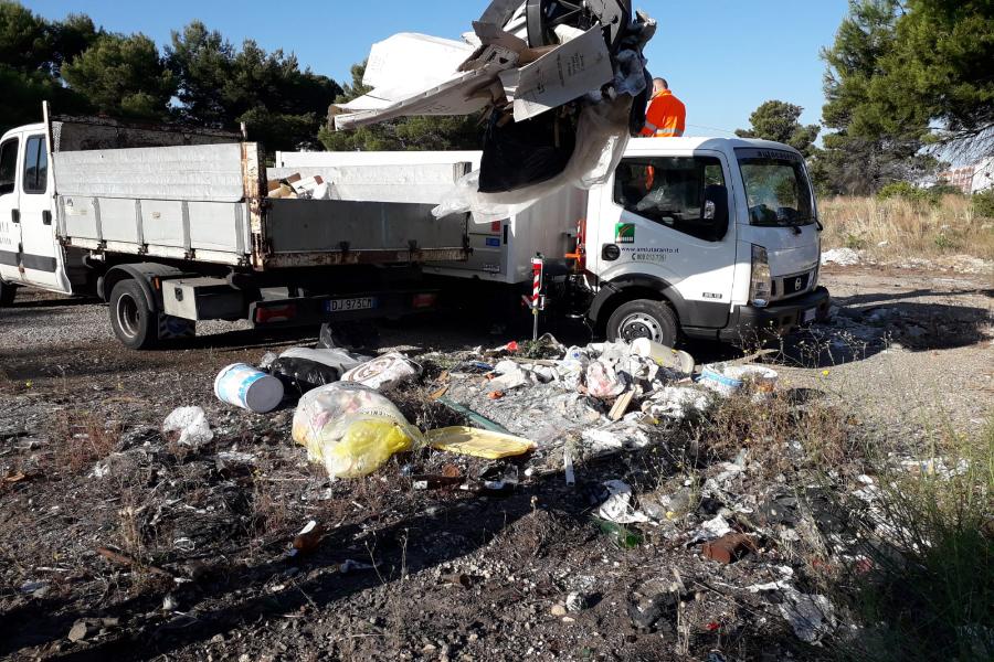 """Interventi straordinari di pulizia a Paolo VI da parte di """"Kyma Ambiente – Amiu"""""""