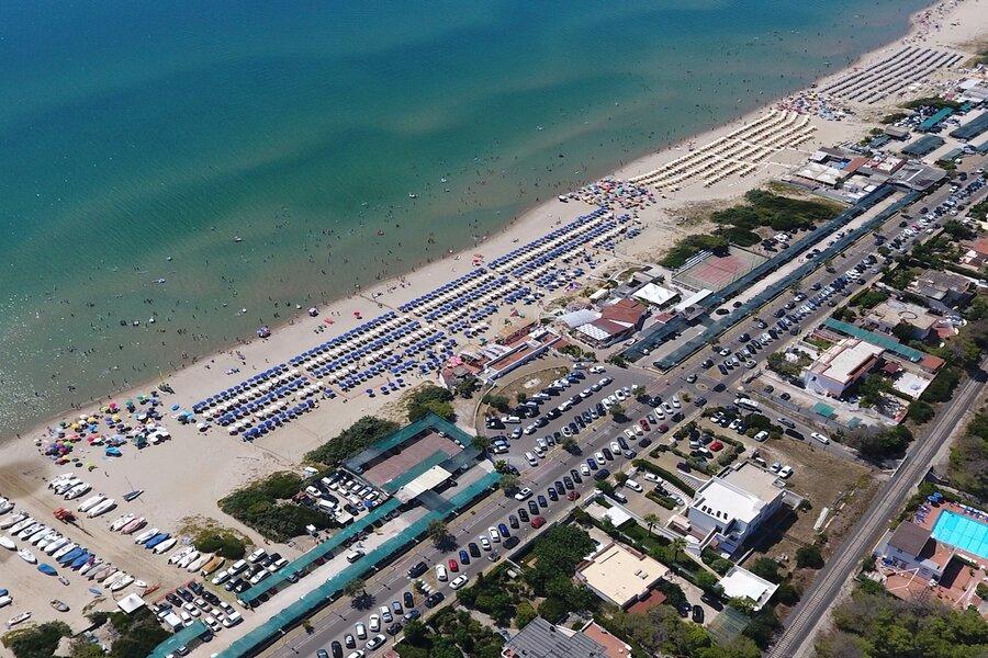 Castellaneta Marina: stessa spiaggia, stesso mare... ma calano le tariffe dei parcheggi