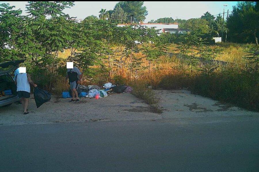 Avetrana, fototrappole in azione contro l'abbandono dei rifiuti