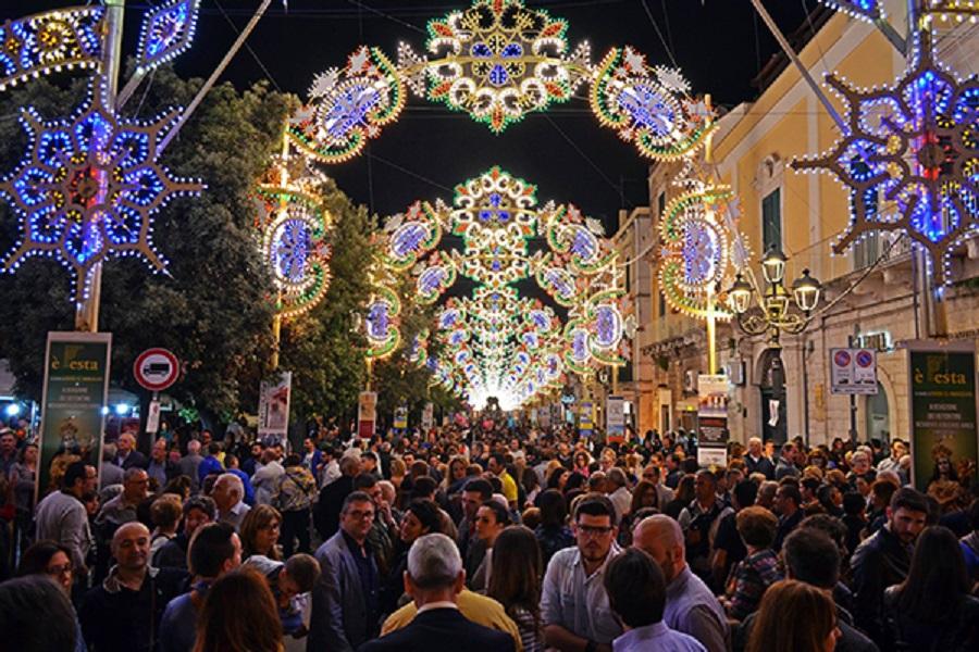 Puglia, da oggi via libera a sagre e feste popolari